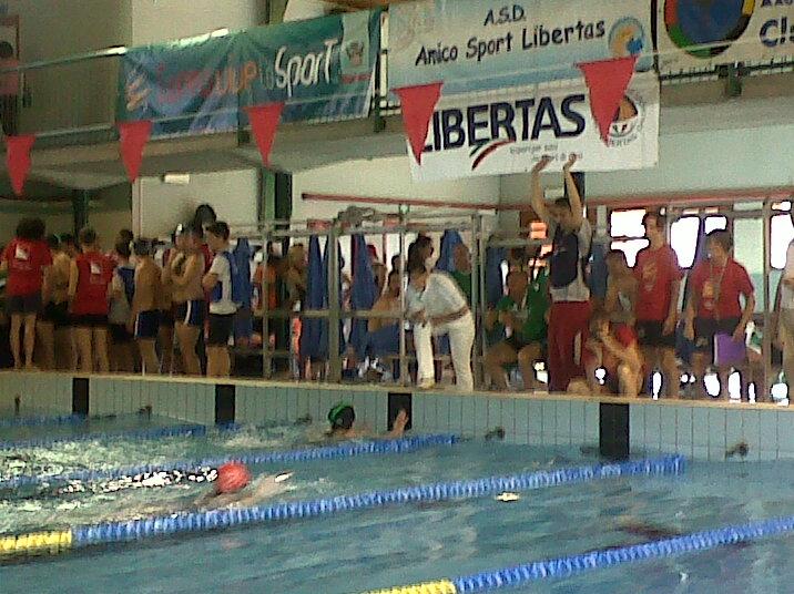 Amico sport disputa il x trofeo di nuoto a cuneo for Piscina cuneo