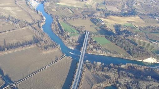 Il moncone dell'autostrada Asti/Cuneo all'altezza di Verduno