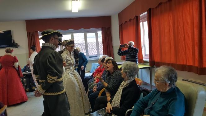 Tante attività al soggiorno per anziani di Trinità: laboratori ...