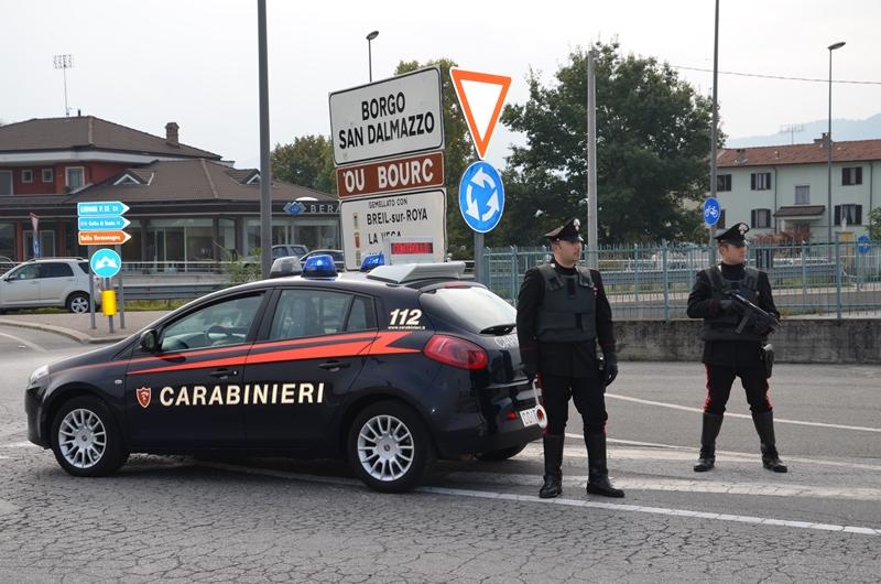 Guidava con la patente estera falsa denunciato romeno for Materassi borgo san dalmazzo