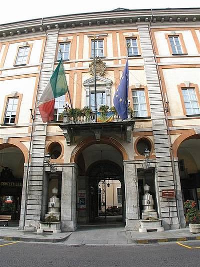 Cuneo in presentazione al salone d 39 onore il nuovo - Comune di sala consilina ufficio anagrafe ...