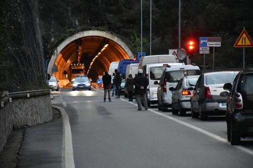 Val Roja: la Statale 20 chiude tutte le notti della prossima settimana per lavori nelle gallerie di Airole