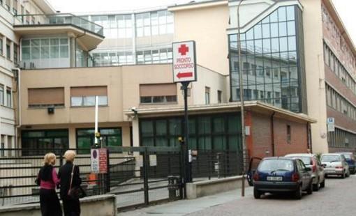 L'ospedale San Lazzaro di Alba: il giovane vi lavorava come infermiere