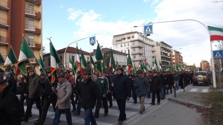 Saluzzo capitale delle penne nere ricorda la battaglia for Corso grafica roma