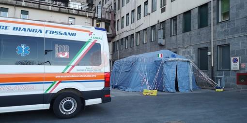 La tenda per il pre-triage al Pronto Soccorso del Santa Croce di Cuneo