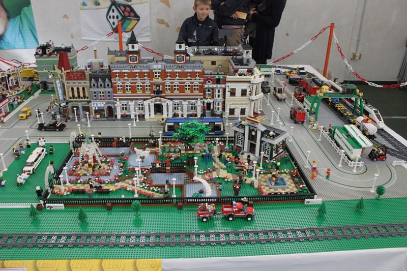 Le creazioni in Lego di 15 collezionisti giunti da tutta