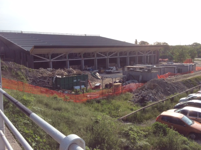 Nuova piscina comunale a cuneo i lavori avanzano ma sar for Piscina cuneo