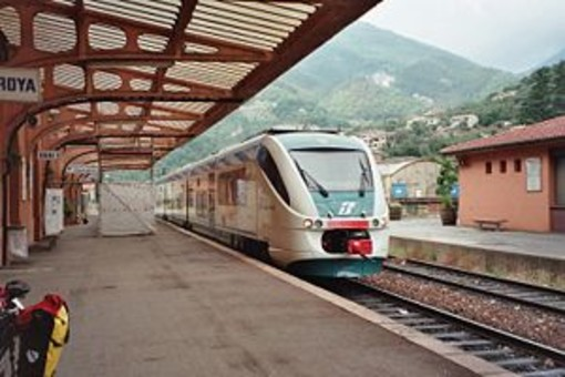 """""""Contestiamo i tagli sul trasporto pubblico locale e riteniamo assurdo chiudere la Cuneo-Ventimiglia"""""""