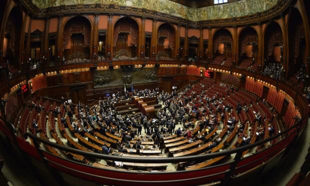 Ma allora lo dicano intendiamo consegnare l 39 italia al for Vitalizi dei parlamentari