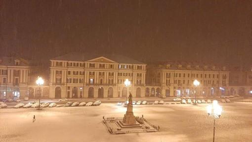 Veloce perturbazione e nevicate a bassa quota in serata... ma l'inverno continua a farsi attendere