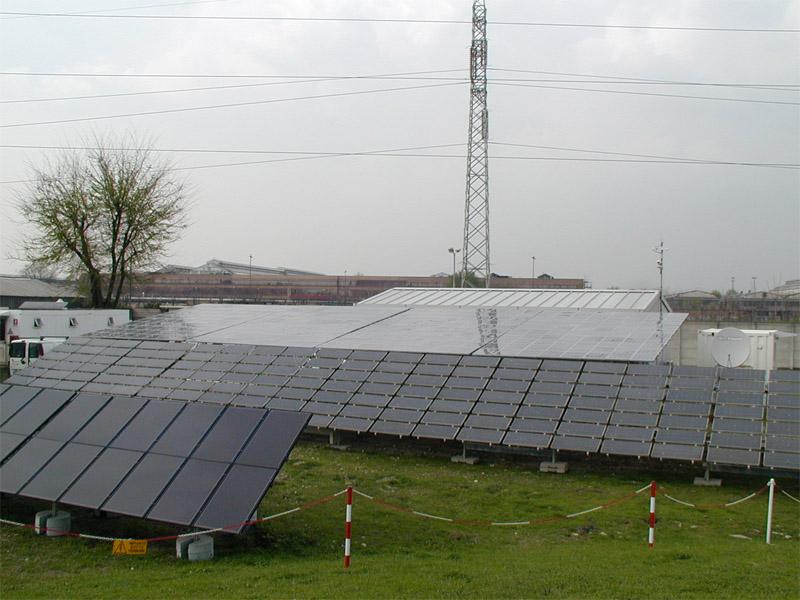 Rubati 40 pannelli solari dal tetto di un maneggio in localit� ...