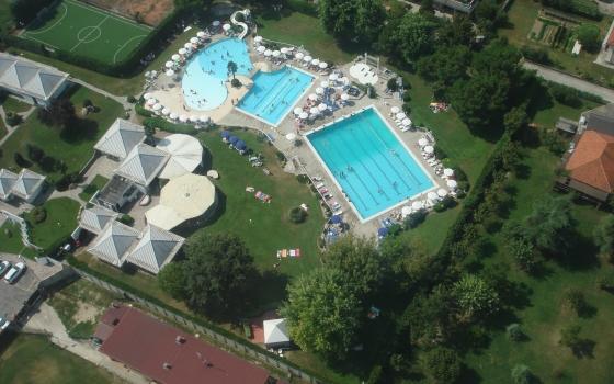 Del taglia piscine great struttura fattoria del cerretino - Del taglia piscine ...