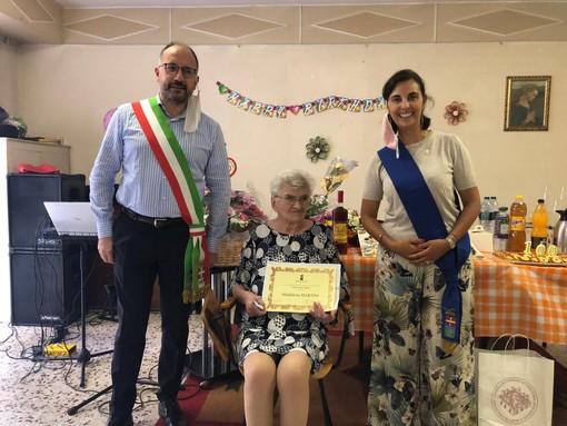 Maddalena Martini originaria di Pietraporzio ieri ha spento 100 candeline