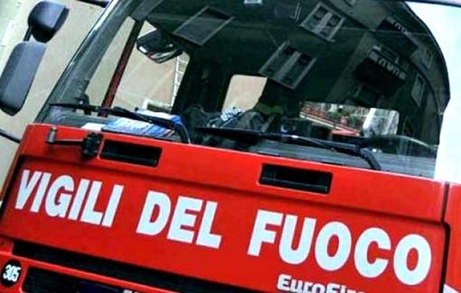 Autoarticolato urta due tralicci dell'alta tensione a Racconigi: circolazione interrotta sulla provinciale 30