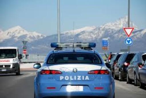 Cuneo: tenta furto in un supermercato, bloccato da un poliziotto fuori servizio