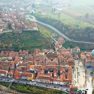 """Dogliani, ecco i """"Percorsi Raccontati"""": un progetto per ridare vita ai sentieri tra Borgo e Castello"""