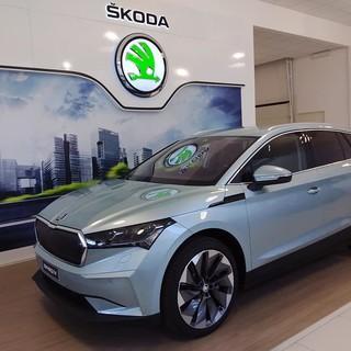 Škoda Enyaq iV, SUV elettrico per tutte la strade e campione nella sicurezza (Video)