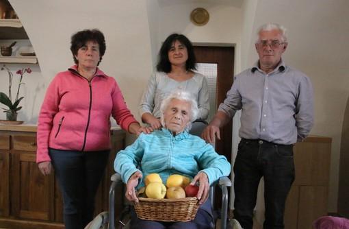 Alda, Cinzia e Andrea Garro con la mamma Maria Clara