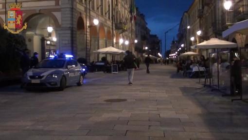 Weekend di controlli a Cuneo: intervento della Polizia per una rissa in piazza Galimberti