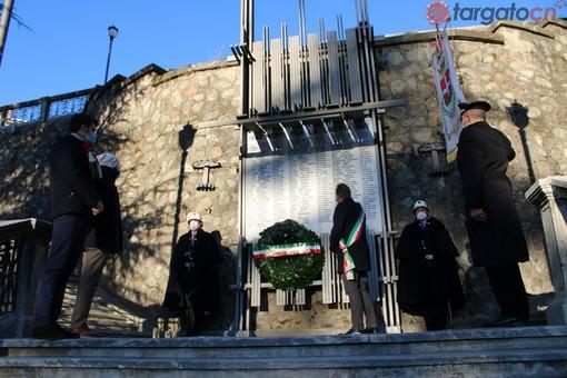 Il monumento ai Caduti in via Delvecchio (Foto repertorio)