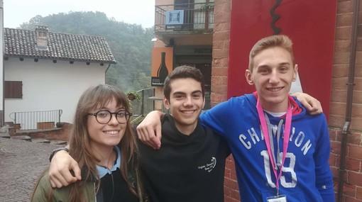 """Sara Cucchietti, Luca Caviglioli e Marco Pellegrino del """"Virginio-Donadio"""" di Cuneo che hanno partecipato al Rural Camp"""