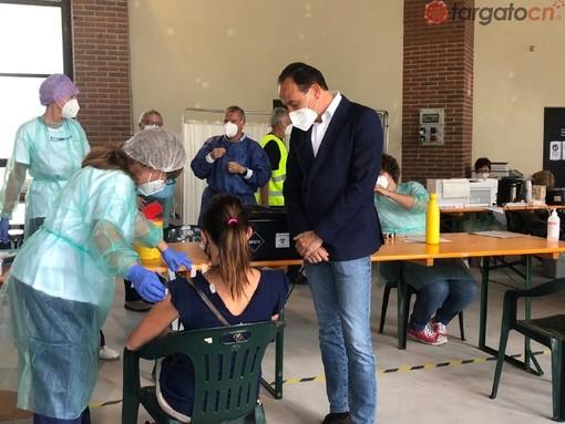 Il presidente Alberto Cirio visita l'hub vaccinale di Frabosa Sottana (FOTO E VIDEO)