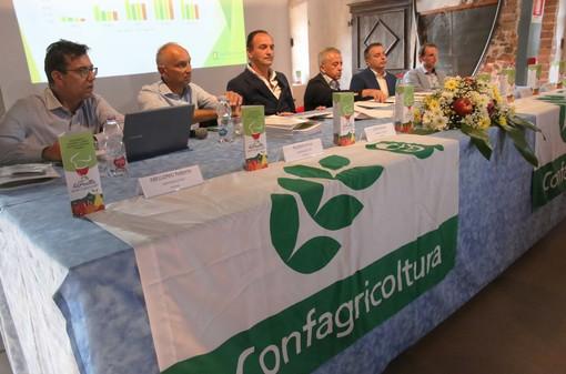 Il tavolo dei relatori all'incontro di Lagnasco