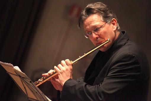 Giuseppe Nova, flautista di fama internazionale e direttore artistico dell'Alba Music Festival