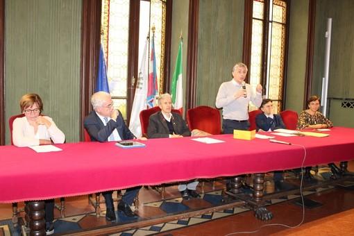 Il sindaco Carlo Bo illustra gli eventi organizzati dal Comune per il 25ennale dell'alluvione 1994