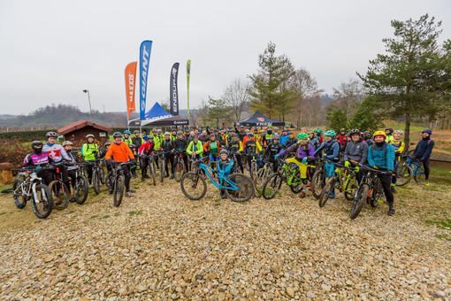 """Più di 100 biker sui sentieri naturalistici di Montà per l'evento """"8.12 MTB"""""""