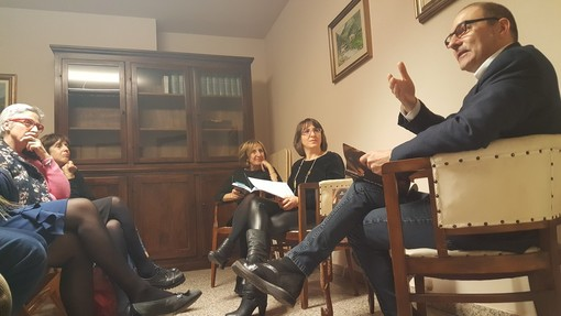 Al Caffè Letterario di Bra si legge 'Tartufi e delitti' dello scrittore albese Mauro Rivetti