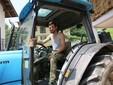 Nicolò sul trattore