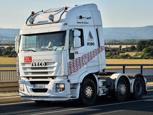 Comprare un camion usato: quali fattori considerare per fare un acquisto oculato