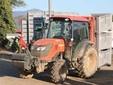 Ugo al lavoro con il trattore