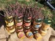 """Alcuni vasetti di miele dell'azienda agricola """"La Lunatica"""""""