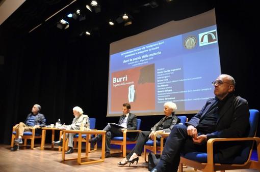 La presentazione della mostra, tenuta ieri nell'auditorium della Fondazione Ferrero di Alba