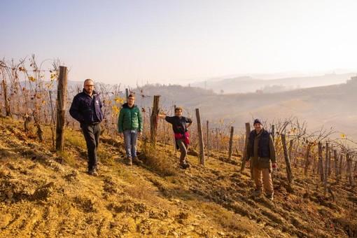 """""""8Pari"""", il vino sociale di progetto Emmaus vince il contest della Fondazione CRC"""