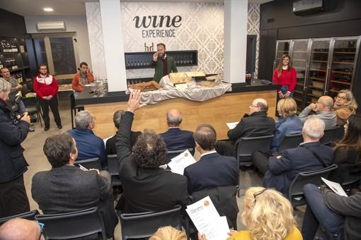 Ad Alba formaggi all'asta per beneficenza: raccolti 1.400 euro per il Progetto San Cassiano