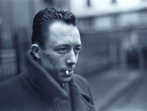 """Alba: grande attesa per l'apertura della """"mostra multimediale"""" su Albert Camus"""