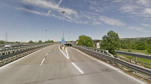 La rampa di uscita in direzione Bra-Torino per le provenienze da Alba centro: sarà chiusa venerdì e sabato