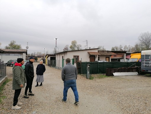 Alcune immagini scattate questa mattina nei minuti successivi alla vasta operazione di controllo effettuata da Polizia e Carabinieri