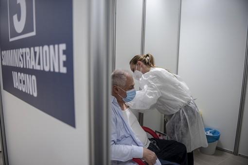 Vaccini, prime dosi arrivate a un terzo della popolazione di Langhe e Roero