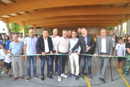 Il taglio del nastro della rinnovata pista, affidato al presidente dell'Asd Santa Margherita Piero Spertino