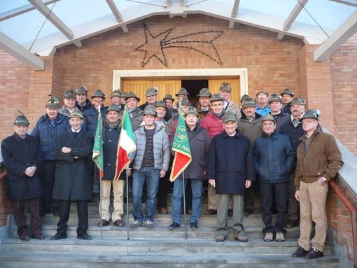 Foto di gruppo per gli Alpini