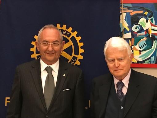 Saluzzo, presidente Rotary Saluzzo Andrea Galleano e Gian Carlo Caselli alla conviviale all'Interno 2