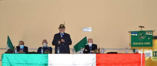Due immagini della riunione tenuta sabato scorso nella sala polivalente comunale di Tarantasca