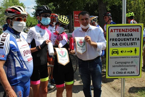 Alba: la ciclista dei record Paola Gianotti ha fatto tappa in città