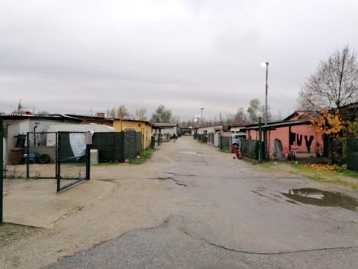 L'accesso al campo nomadi albese