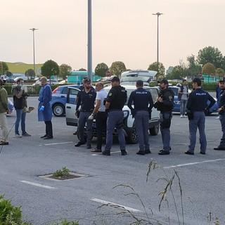 Il parcheggio del supermercato in cui è avvenuto l'omicidio - foto di: Simone Giraudi