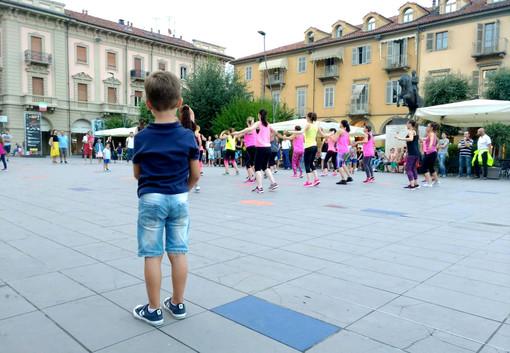 Piazza Ferrero, nel corso di una delle numerose manifestazioni che ospita dalla sua ultima riqualificazione (Facebook)